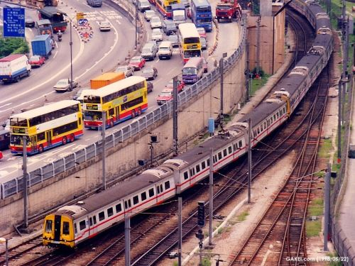 Original KCR Metro Cammell EMU arrives into Hung Hom station (photo by Joseph K.K. Lee)