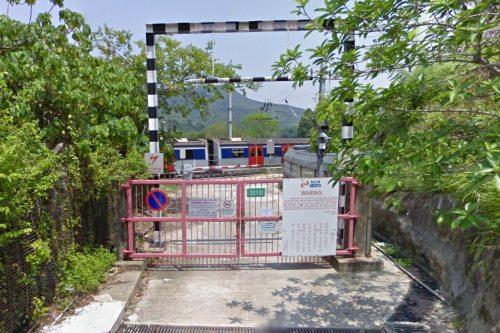 Level crossing on KCR East Rail