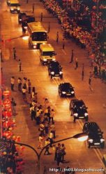 People's Liberation Army arrive into Hong Kong in 1997 (via fn01.blog.sohu.com)
