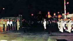 People's Liberation Army arrive into Hong Kong in 1997 (via news.sina.com.cn)